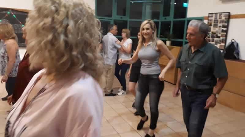 נורית לוי ריקודים משמחים