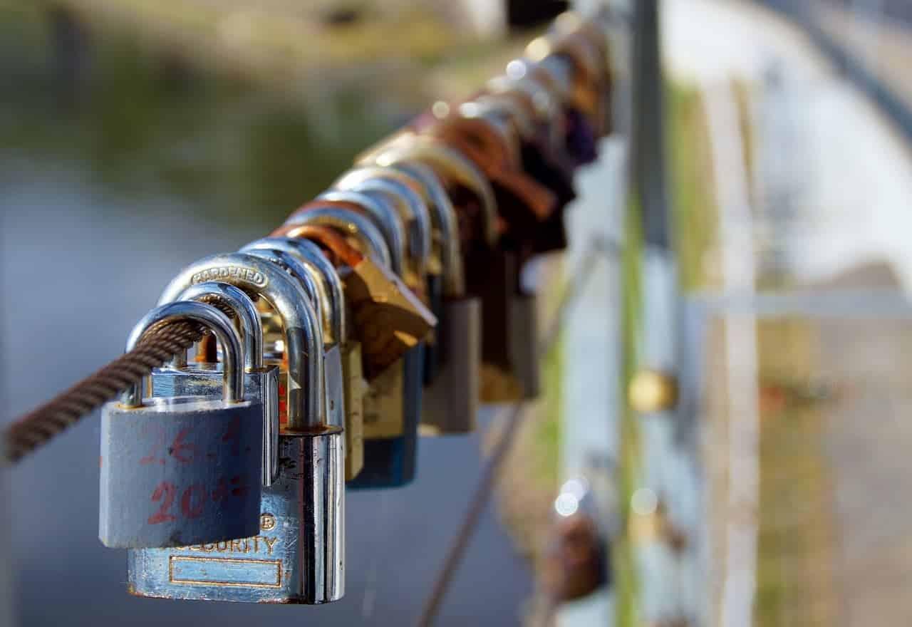 locks-3524310_1280